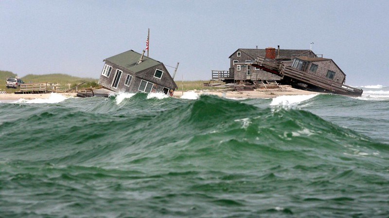 waves-houses_1280.jpg