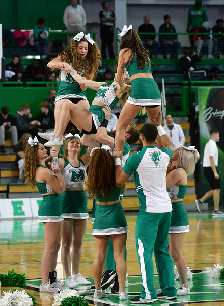 cheerleaders2839.jpg