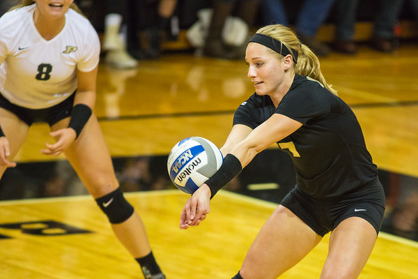 Purdue Volleyball vs Iowa 2015-11-7