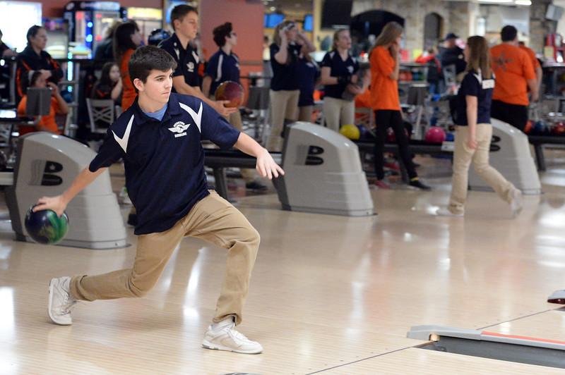 boys_bowling_9793.jpg
