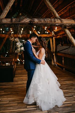 Monika and Eric Wedding Sneak Peek