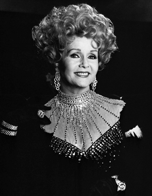 . Debbie Reynolds stars as an actress in character, March 10, 1989, whose return to the stage is interrupted by murder in ?Perry Mason: The Case of the Musical Murder,? a World Premiere movie about a young stage manager accused of killing the director of a Broadway-bound Musical. It will be telecast on NBC on Sunday, April 9 at the Movies (9-11 p.m. NYT). (AP Photo)