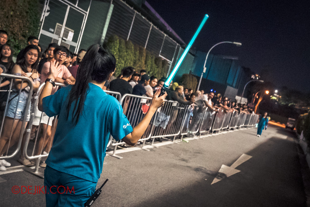 Halloween Horror Nights 7 Singapore - RIP Tour Review / Normal queue line at DEATH Mall