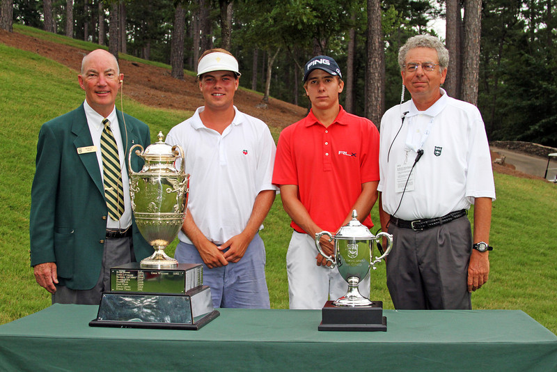Keith Mitchell, second from left, (15) and Carlos Ortiz (2) before their opening match during the 111th Western Amateur at The Alotian Club in Roland, AR. (WGA Photo/Ian Yelton)