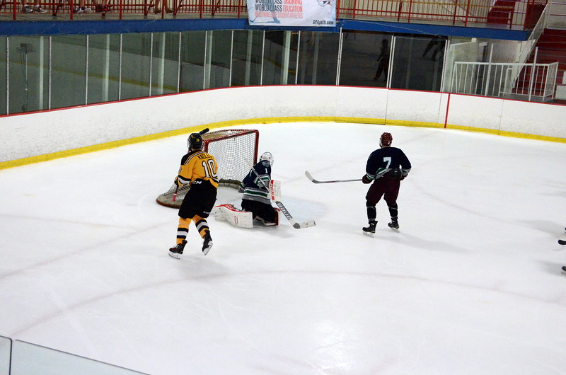 150907 Jr. Bruins vs. Whalers-050.JPG