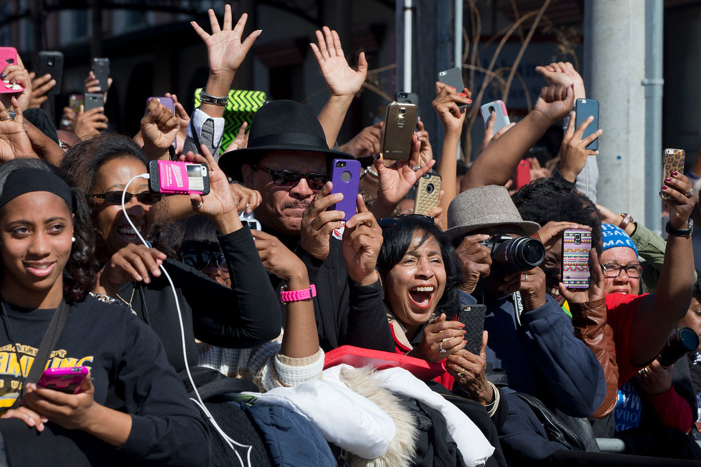 ". The crowd reacts to the arrival of President Barack Obama to speak by the Edmund Pettus Bridge in Selma, Ala., on the 50th anniversary of ìBloody Sunday,"" a landmark event of the civil rights movement, Saturday, March 7, 2015. (AP Photo/Jacquelyn Martin)"