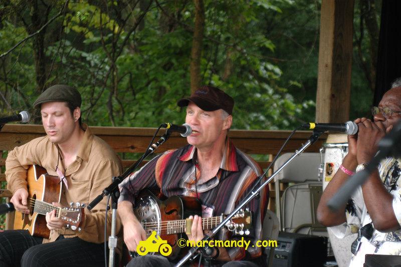 Phila Folk Fest- Sun 8-28 014 Blues Workshop.JPG
