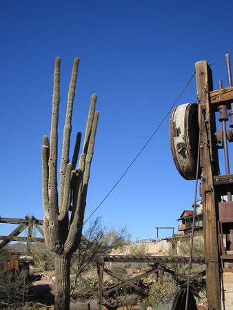 2004-02-Apache-Trail-Arizona