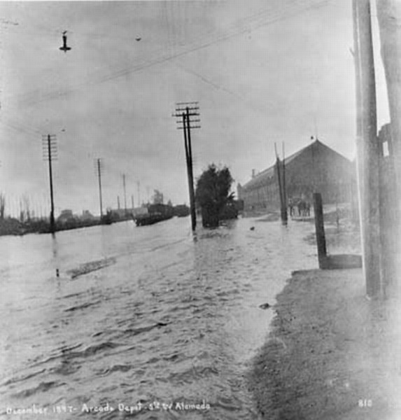1900-AlamedaSt-flooded.jpg