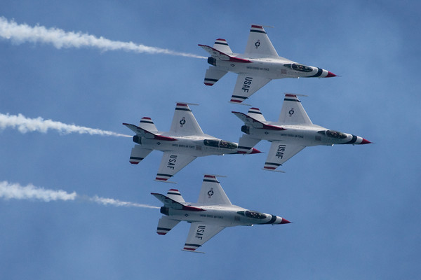 Milwaukee Air Show 2009 Thunderbirds *** Gallery Now Complete