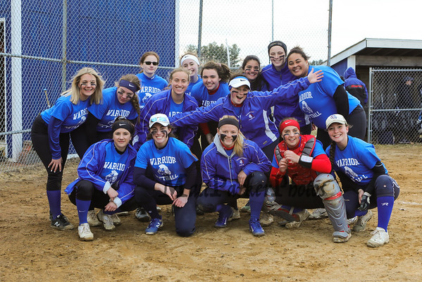 2019-4-2 WHS Girls Softball vs Sanborn Scrimmage