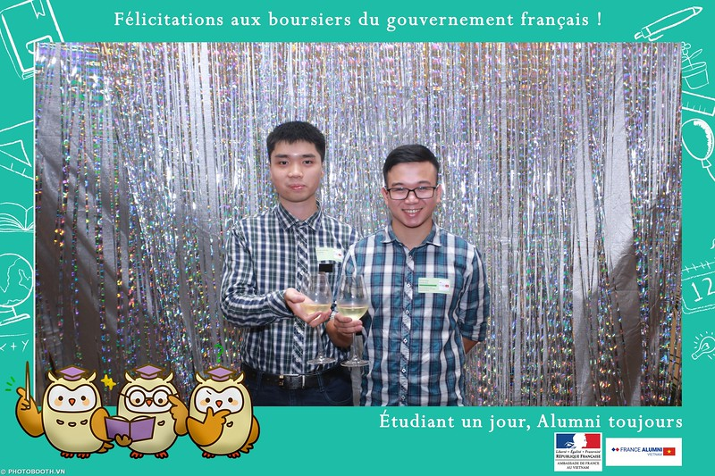 France-Alumni-Vietnam-photobooth-at-Franch-Embassy-Vietnam-photobooth-hanoi-in-hinh-lay-ngay-Su-kien-Lanh-su-quan-Phap-WefieBox-photobooth-vietnam-031.jpg