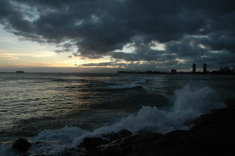 Hawaii - Ala Moana Beach Sunset-110.JPG