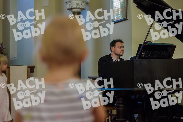 ©Bach to Baby 2017_Laura Ruiz_Islington Barnsbury_2017-06-23_05.jpg