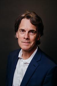 Dr. Stephen Hicks