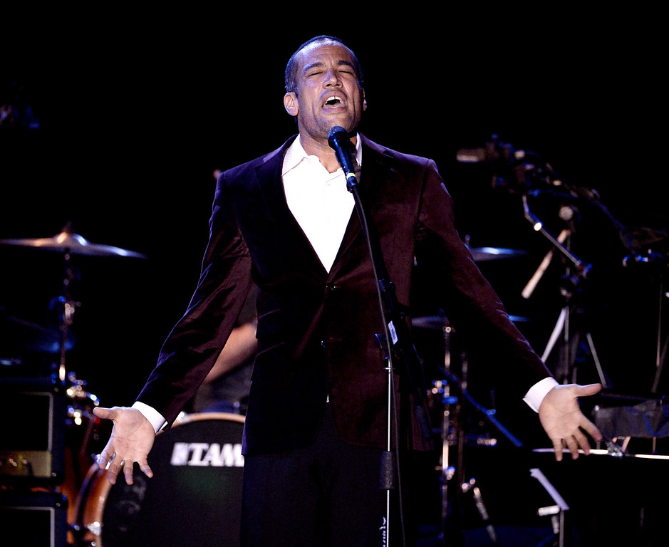 """. LOS ANGELES, CA - JANUARY 20:  Musician Ben Harper performs at the David Lynch Foundation\'s benefit honoring Ringo Starr with the \""""Lifetime of Peace & Love\"""" award at the El Rey Theatre on January 20, 2014 in Los Angeles, California.  (Photo by Kevin Winter/Getty Images)"""