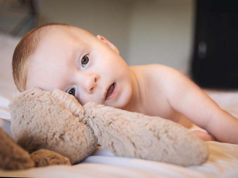 Greyson 6 months-11.jpg