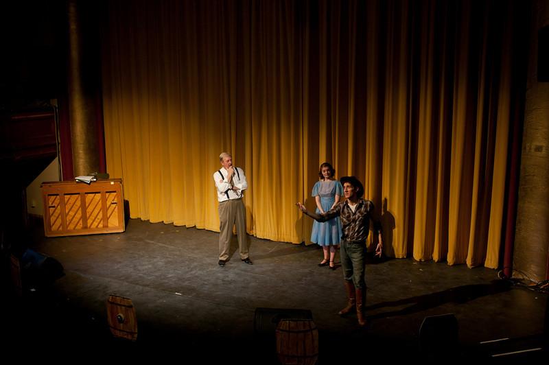 Curtains.20110301.2064.jpg