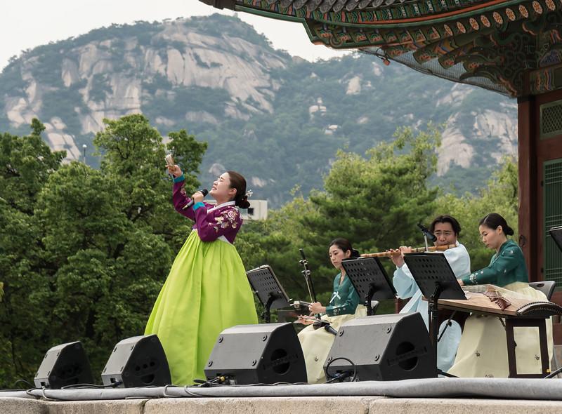 Traditional Korean music at Gyeongbokgung Palace, Seoul.