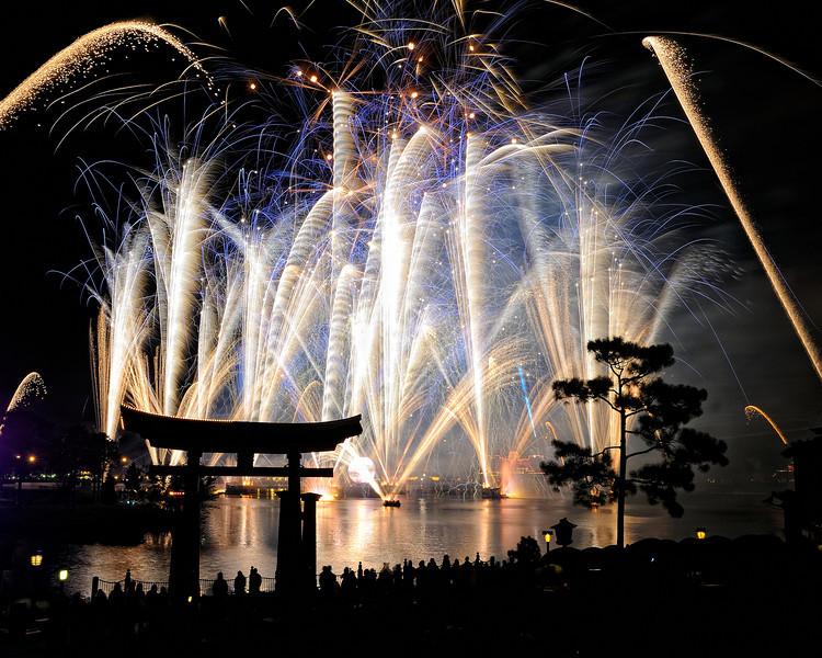 Walt Disney World, Pixelmania 2010 29.4s, at f/11 || E.Comp:0 || 28mm || WB: AUTO 0. || ISO: 200 || Tone:  || Sharp:  || Camera: NIKON D700on: 2010:12:01 22:42:34