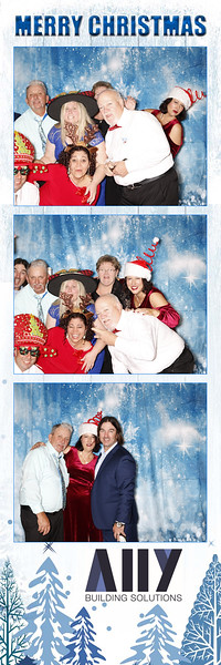 2018 ALLY CHRISTMAS PARTY BOOTH STRIPS_32.jpg