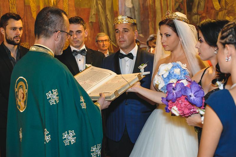 Andreea-biserica-18-October-2014-Nunta--LD2_7694Liviu-Dumitru.jpg