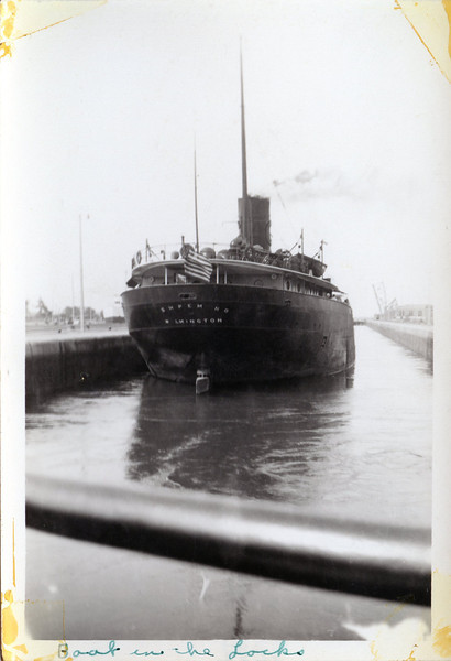 Boat in the locks Sept 1938.jpg