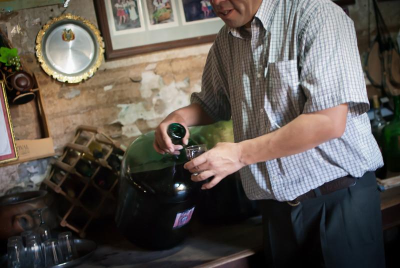 Tarija 201205 Casa Vieja Wine (7).jpg