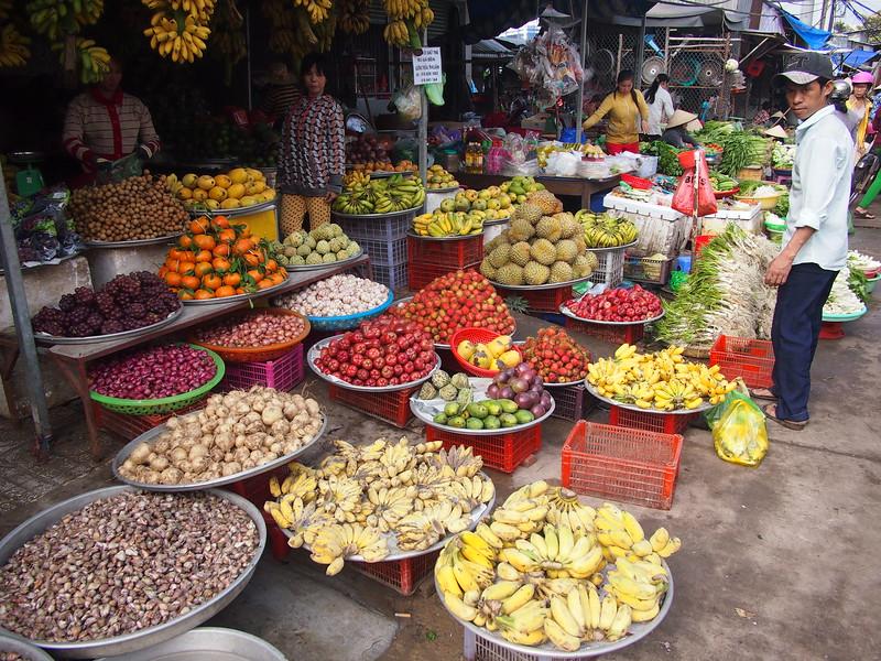 P1317251-fruit-vendor.JPG