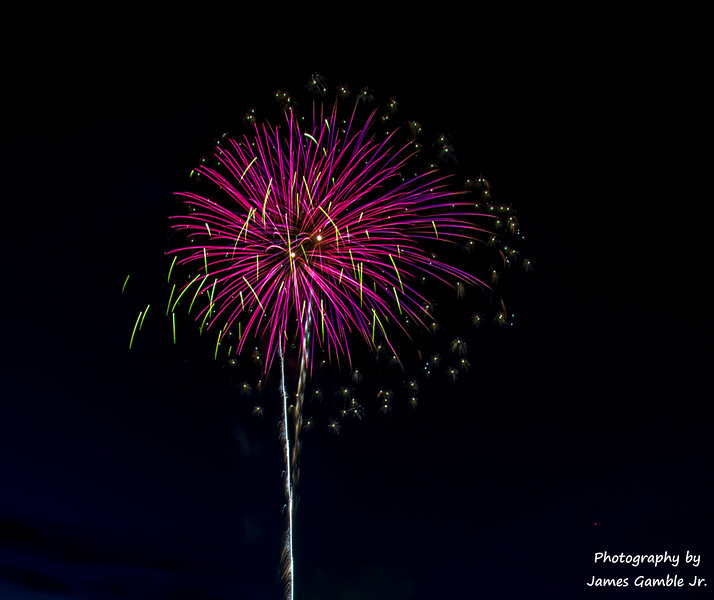 Fourth-of-July-Fireworks-2016-0305.jpg
