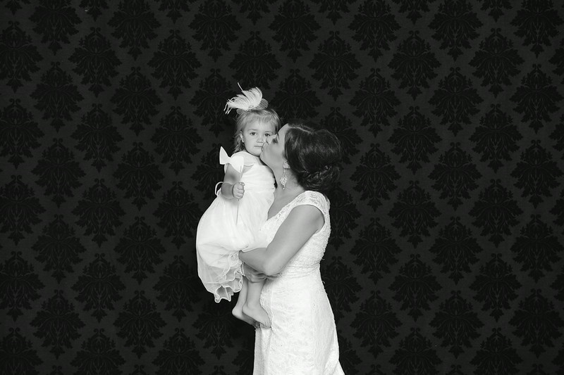 NinaLilyPhotography_Harvey_PhotoBooth006.jpg