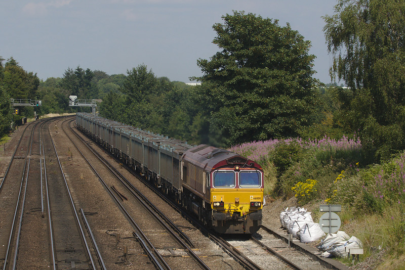 GBrf (EWS paint) 66008 on the 4Y19 Mountfield Sidings (GBrf) to Southampton W Docks (GBrf)