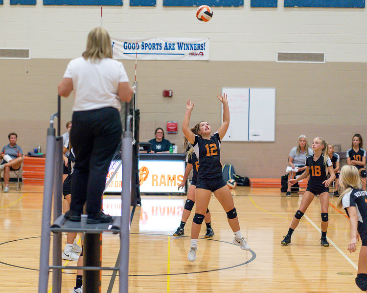 NRMS vs ERMS 8th Grade Volleyball 9.18.19-4943.jpg