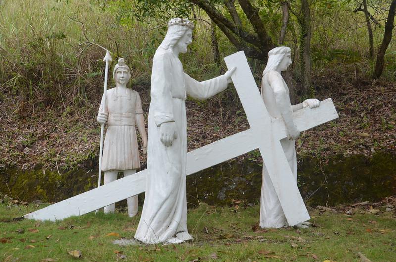 DSC_7521-v-simon-helps-jesus-to-carry-his-cross.JPG