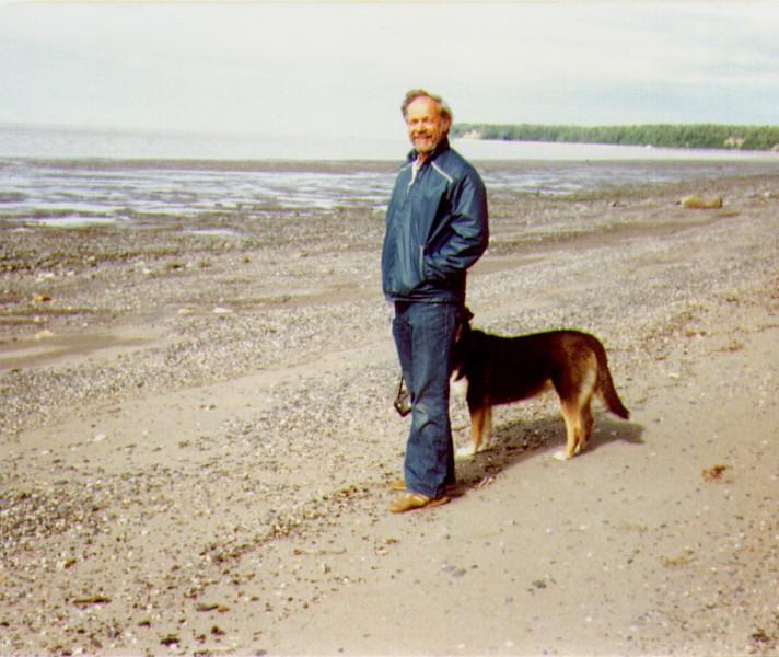 Wayne & Tundra, East Foreland, AK, 07-1980,   4-26-2005 9-38-56 PM 823x694 - Copy.jpg