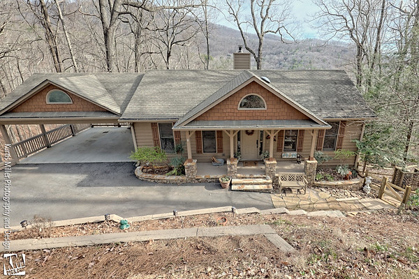 1364 Valley View