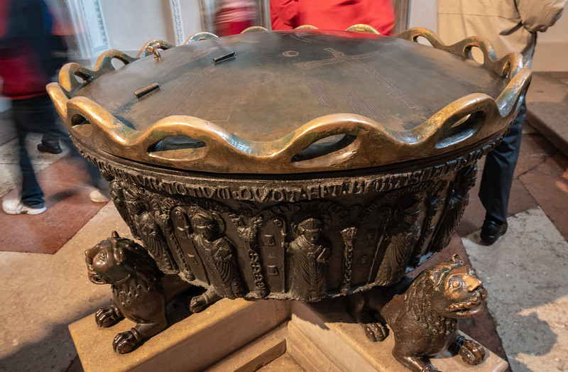 Font in which Mozart was baptized