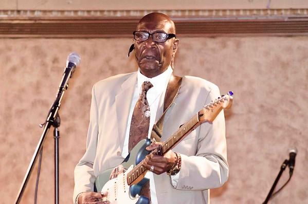 Blues - Bobby Warren