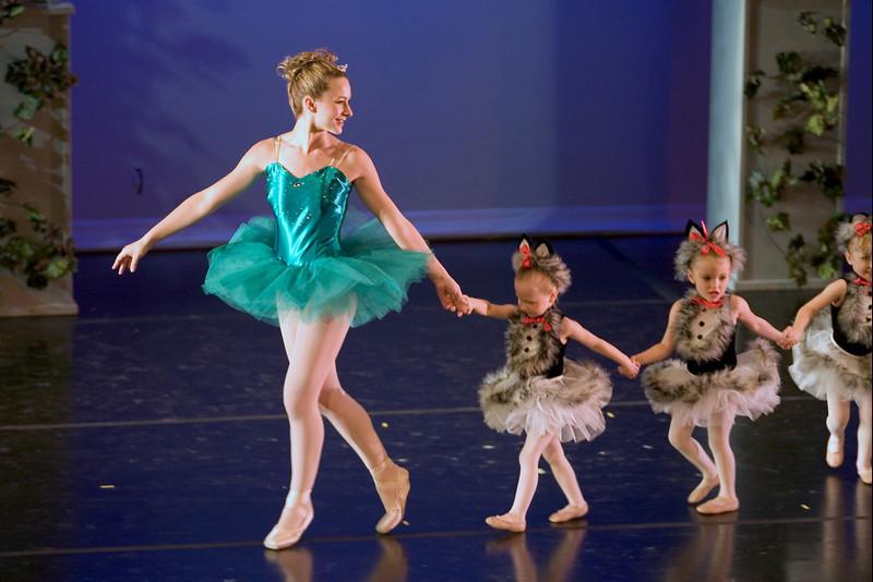 dance_05-22-10_0295.jpg