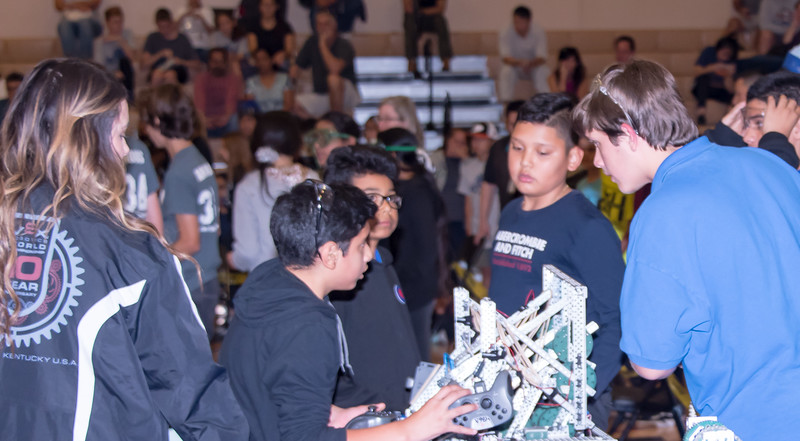 RoboticsCompetition_120217-114.jpg