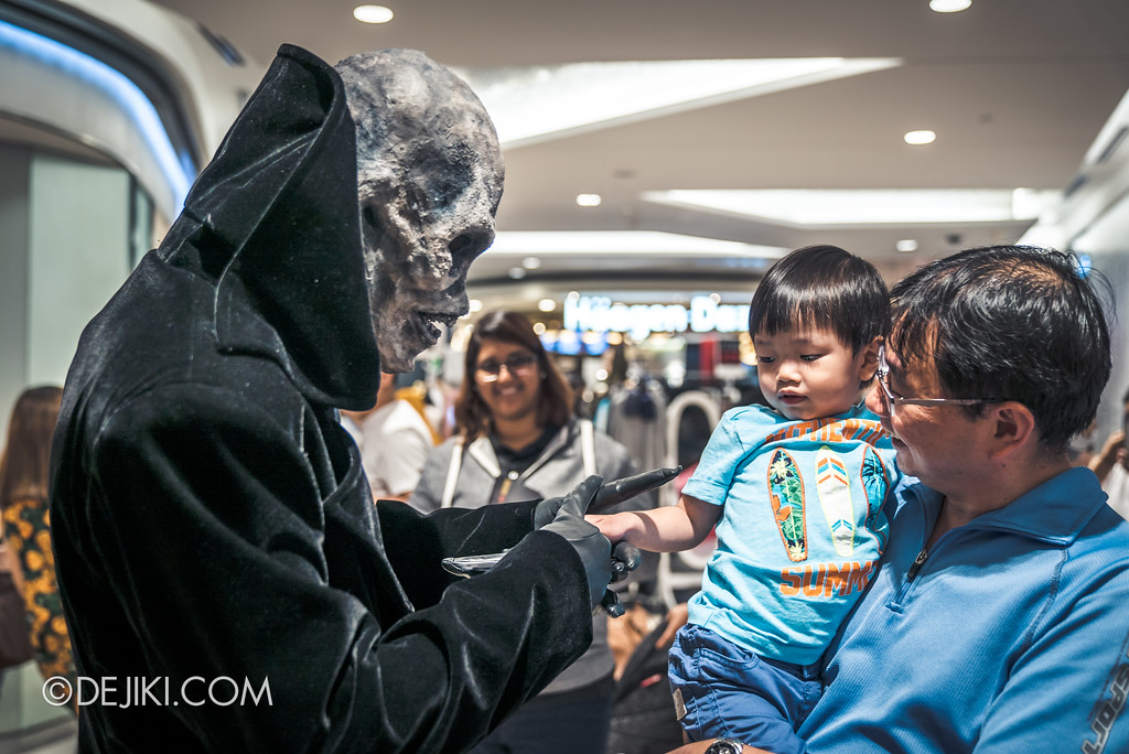 Halloween Horror Nights 7 Before Dark 5 - Scare Actor Meet and Greet HHN7 Icons at Tampines Mall - Lord Obsession