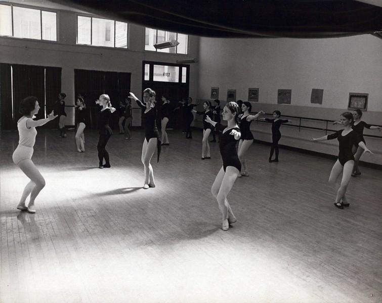 Dance_0178_a.jpg
