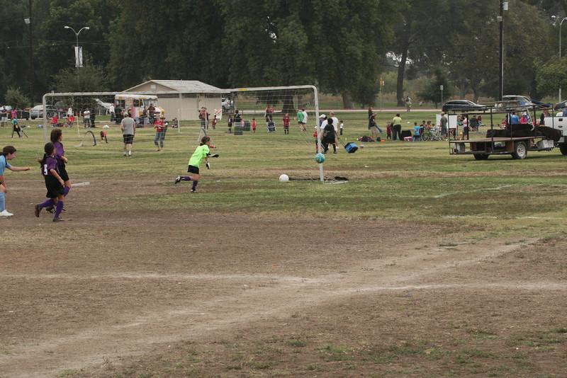 Soccer2011-09-17 10-28-23.JPG