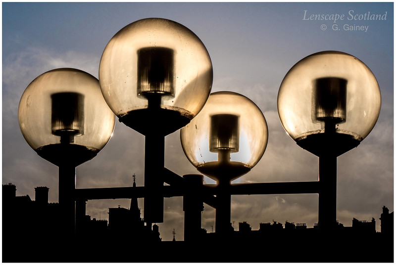 Lamps at Princes Mall in early morning sunlight (1)