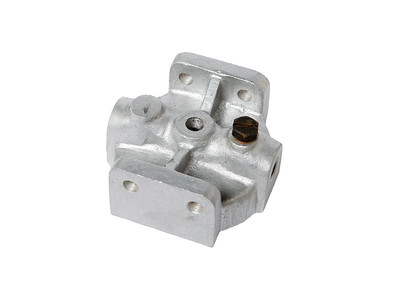 MASSEY FERGUSON FUEL FILTER HOUSING 741922M1