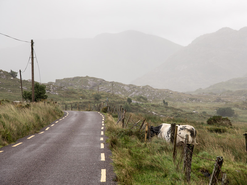 Ballaghbeama Gap road