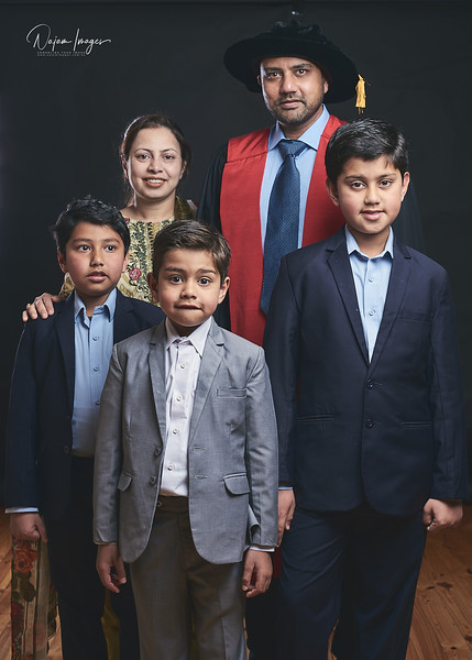 Sohail-Graduation-Family-201810-06.jpg