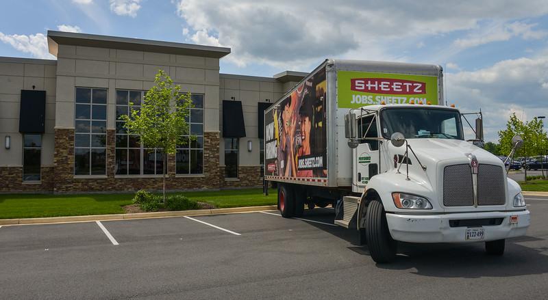 sheetz truk 2000-70-1306.jpg