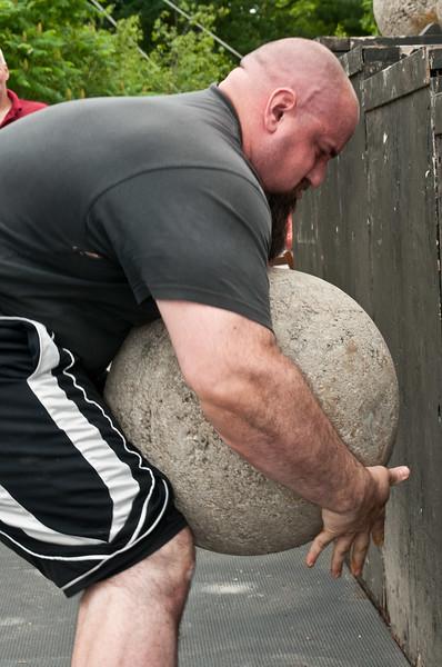 Fitness Revolution Strongman Challenge 2011_ERF4471.jpg
