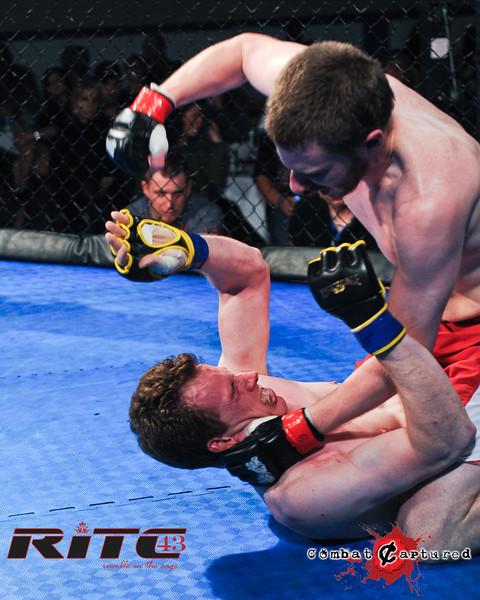RITC43 B04 - Garrett Raines def Francois Bourassa-combatcaptured-0008.jpg